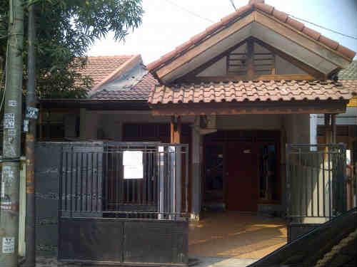 Dijual Rumah Di Tomang, 8 Miliar Rumah Berlokasi Strategis- Pusat Kota Cocok Untuk Usaha