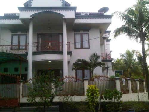 rumah dijual di Kampung Rambutan
