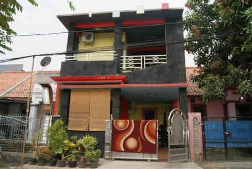 Dijual Rumah Di Taman Palem, 1 Miliar an Rumah Berdesain Minimalis 2 Lantai Dengan Kondisi Siap Huni