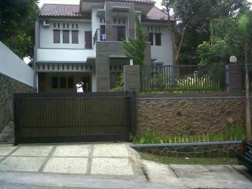 Rumah Dijual Di Kemayoran, 2 Miliar an Rumah Berada Di Pusat Kota- Sangat Menguntungkan