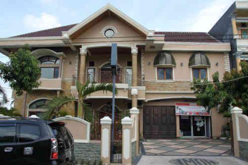 Rumah Dijual Di Cikupa, 2 Miliar an Luxury House - Semi Furnished