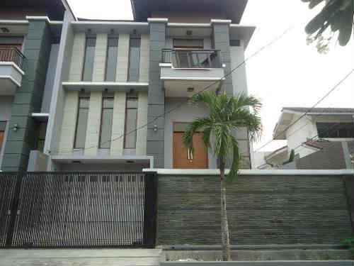 Rumah Dijual Di Matraman, 4 Miliar an Baru 3 Lantai + Full Furnished