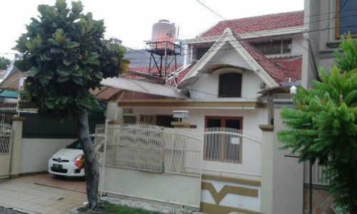 Dijual Rumah Di Meruya, 2 Miliar an Modern - Lokasi Menguntungkan