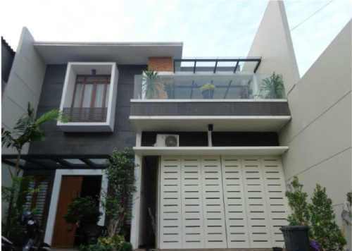 Rumah Dijual Di Summarecon, 2 Miliar an Modern - Lokasi Strategis